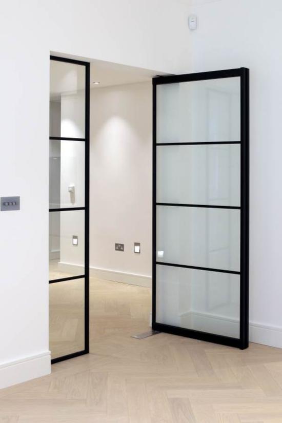 Drehtüren fürs Zuhause Einsatz im Innenraum Glastür Glasscheiben schwarzer Metallrahmen
