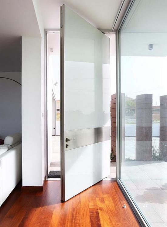 Drehtüren fürs Zuhause wetterfest graue Beschichtung Metall elegantes Design
