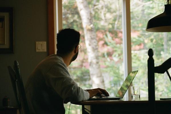 Ein Heimbüro einrichten, um Ihre Produktivität zu optimieren arbeit ohne ablenkungen