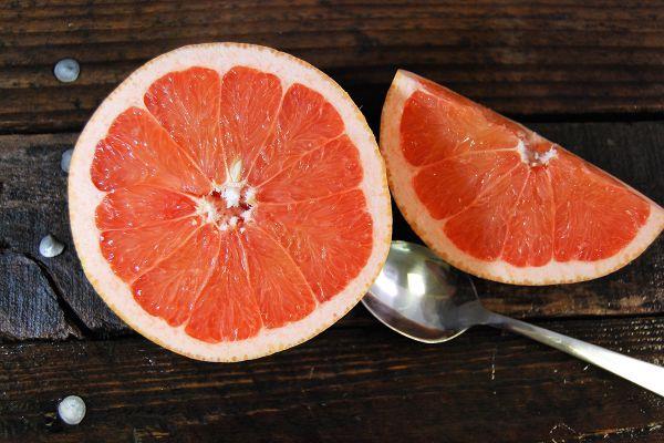 Ernährung bei Arthritis Grapefrut Stücke