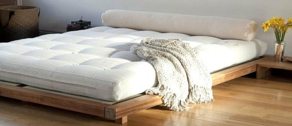Fetonbett Matratze japanisches Bett Rückenschmerzen