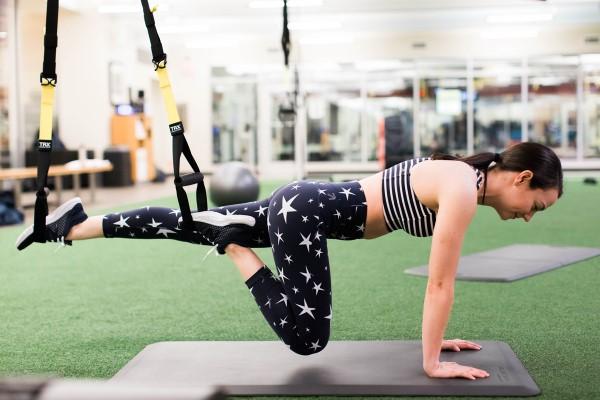 Exercices d'entraînement pour tout le corps pour la planche d'entraînement de fitness à domicile
