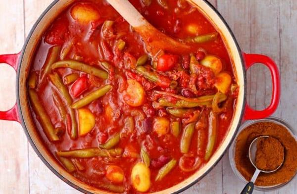Grüne Bohnen zubereiten mediterraner Art Zutaten