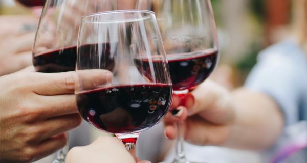 Hausmittel gegen Migräne Diät kein Alkohol trinken