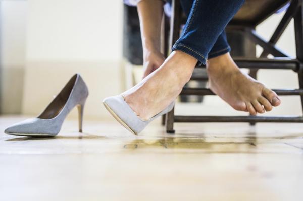 Hornhaut entfernen Hausmittel Fußpflege Hornahaut
