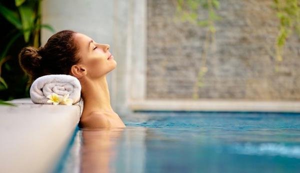 Hydrotherapie hilft bei Kopfschmerzen und Migräne