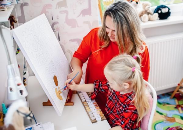 Pintura por números - o hobby mais relaxante de todas as pinturas, desenhar com crianças