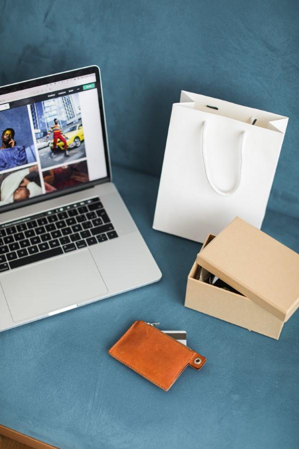 Online Zahlungsarten im Überblick – Vor- und Nachteile, die Sie auf jeden Fall kennen sollten online shopping fashion kleidung