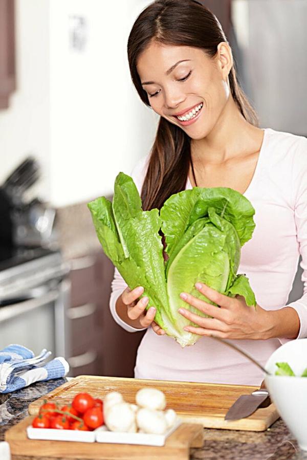 Αποθηκεύστε τη σαλάτα στο ψυγείο Συνταγή σαλάτας