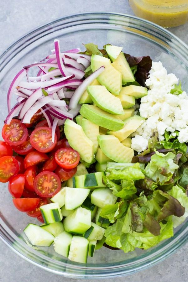 Σαλάτα στο κατάστημα Ετοιμάστε πράσινη σαλάτα