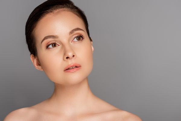 Schönheitspflege Microneedling Vorteile Nachteile