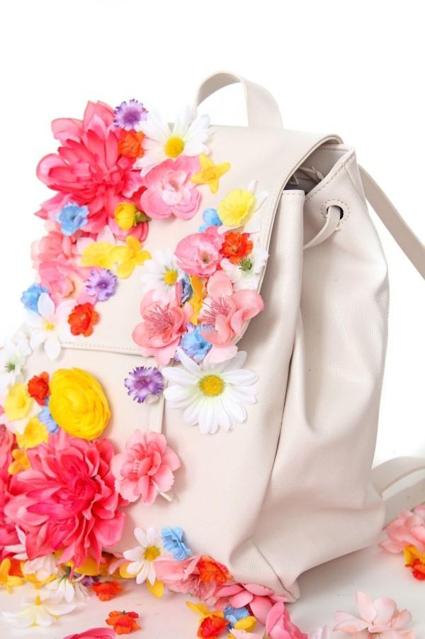 Schultaschen für Teenager selber gestalten – kreative Ideen und einfache Anleitungen blumen deko floral