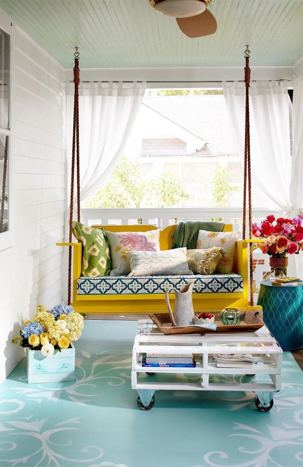 Sommer-Deko für den Eingangsbereich – hilfreiche Tipps und kreative Ideen schaukel gemütlichkeit gelb bunt