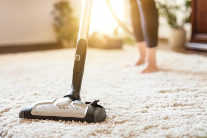 Teppich reinigen mit Rasierschaum vorbereitung