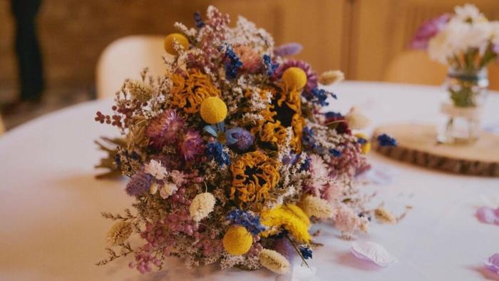Trockenblumen Deko strauß in der vase huebsch