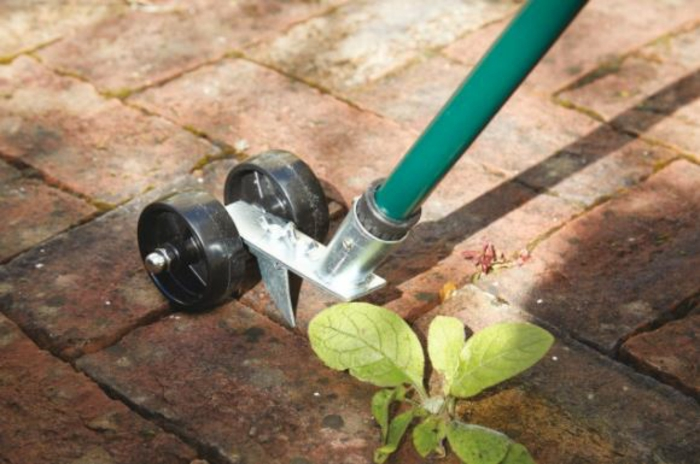 Unkraut aus Fugen entfernen hinterhof vorher nachher werkzeug