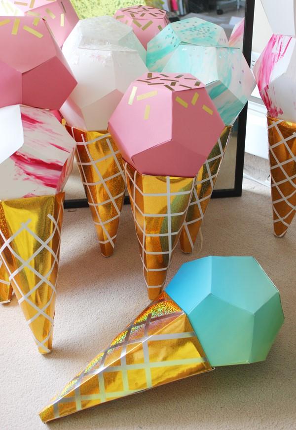 Zuckertüte selber basteln für eine glückliche Einschulung Ihres kleinen Erstklässlers esicreme schultüten bunt