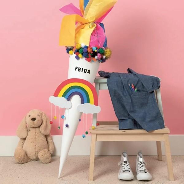 Zuckertüte selber basteln für eine glückliche Einschulung Ihres kleinen Erstklässlers regenbogen unisex schultüte
