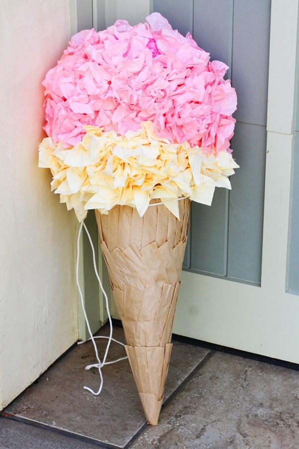 Zuckertüte selber basteln für eine glückliche Einschulung Ihres kleinen Erstklässlers schultüte eiscreme fransen