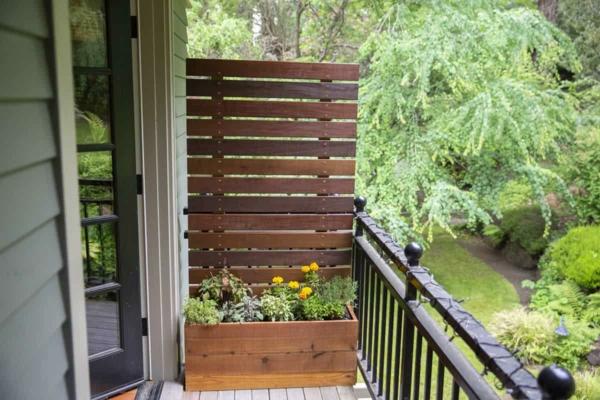 balkon sichtschutz ideen pflanzkasten schöne balkonideen