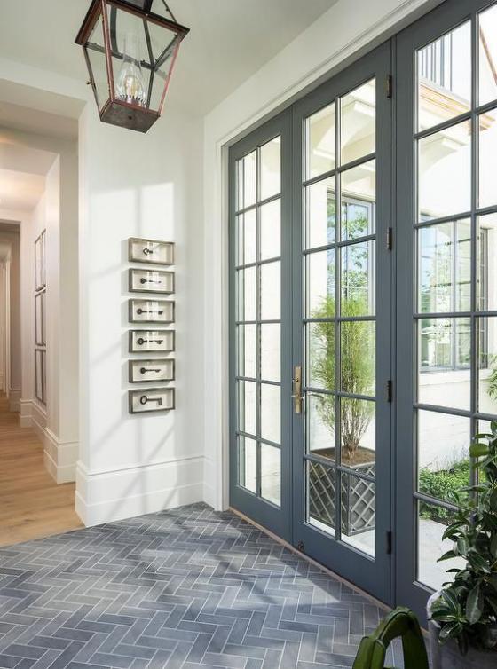 französische Fenstertüren große Tür führt zum Garten viel Tageslicht drängt ins Innere