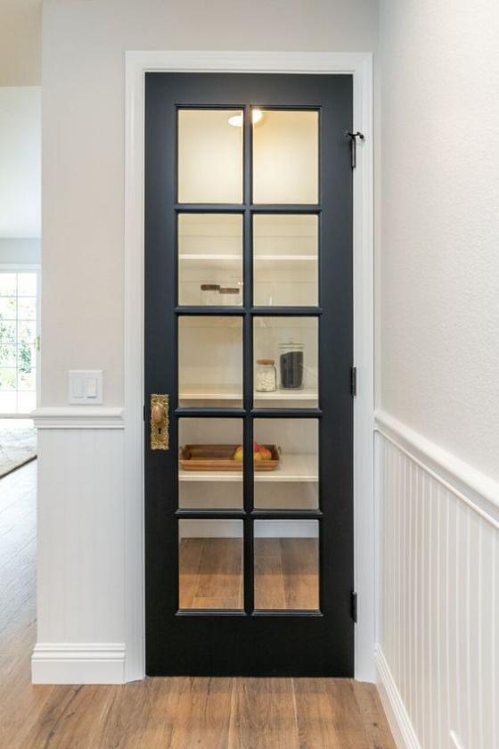 französische Fenstertüren schmale Türöffnung schwarzer Rahmen