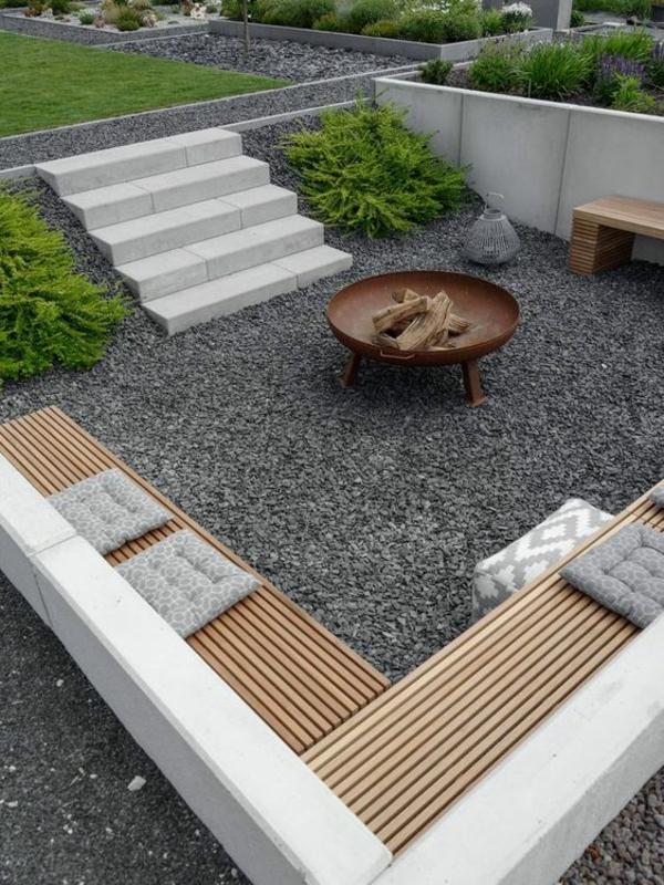 garten sitzecke gestalten kieselsteine viele sitzgelegenheiten