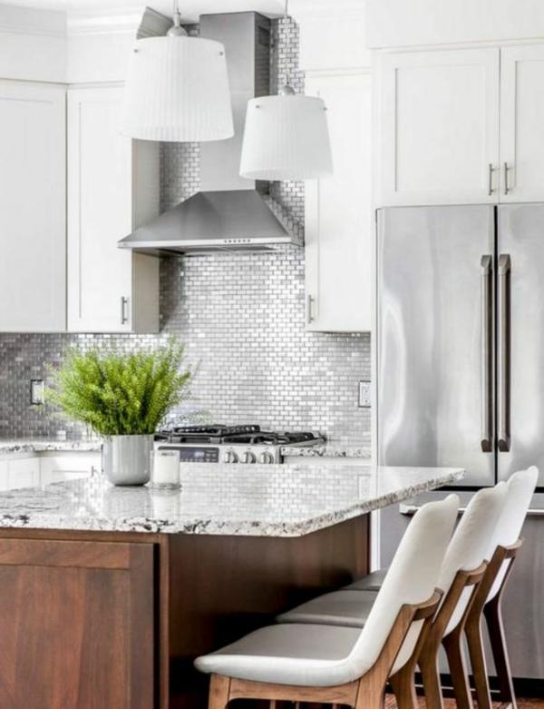 küche fliesenspiegel mosaikfliesen helle küche frische einrichtung