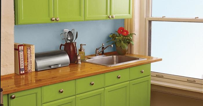 Deixe a cozinha embrulhar em verde branco