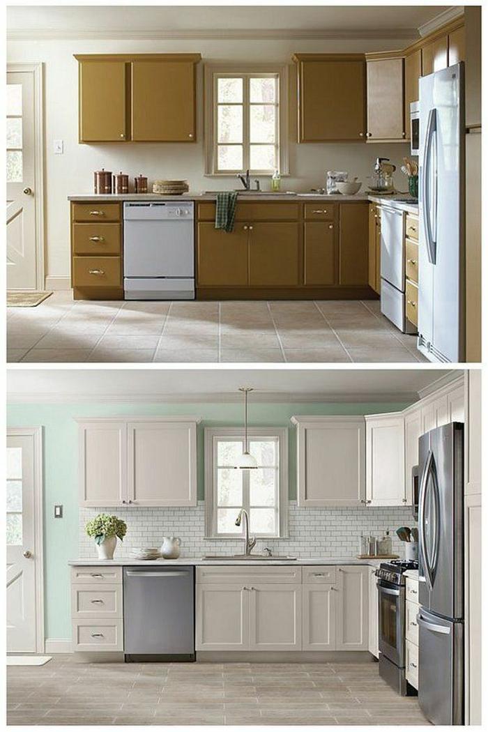 Ter a cozinha embrulhada em branco ou colorido