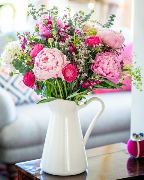 pfingstrosen in der vase frische schnittblumen wohnung dekorieren ideen