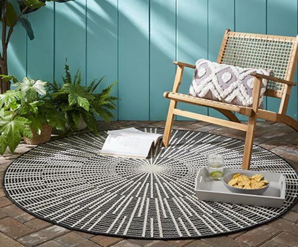 runder outdoor teppich gemütlcihe sitzecke gestalten