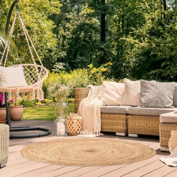 runder outdoor teppich gemütliche sitzecke gestalten