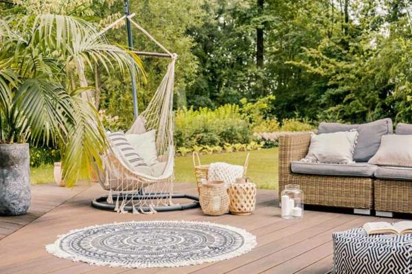 runder outdoor teppich terrasse dekorieren schaukel