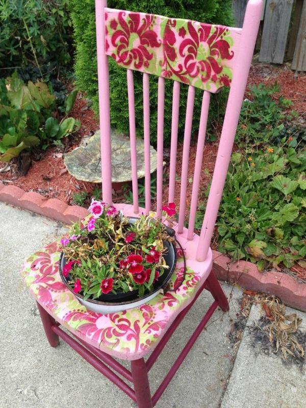 sommer gartendeko selber machen alte stühle wiederverwerten