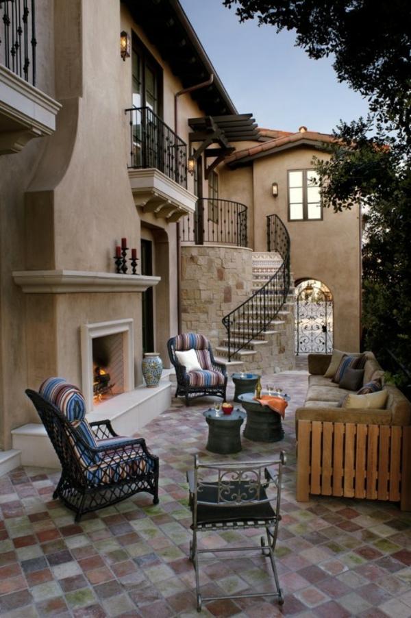 terrasse dekorieren farbenfrohe stoffe bequeme möbel