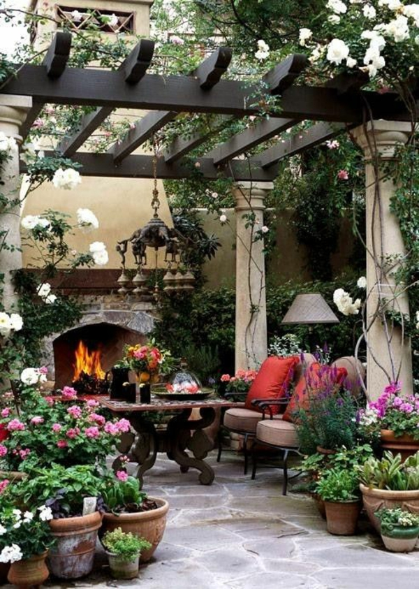 terrasse dekorieren gemütliche sitzecke kamin