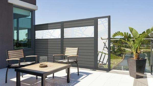 terrassentrennwand blickdichter sichtschutz modernes design