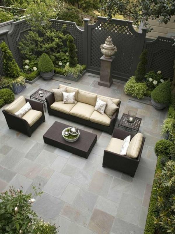 terrassentrennwand outdoor wohnzimmer sichtschutz welches material