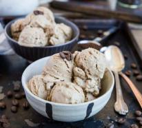 Kaffee-Eis selber zubereiten – der beste Muntermacher für den Sommer