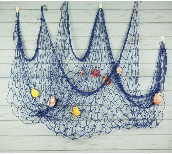wanddeko idee mit fischernetz blau