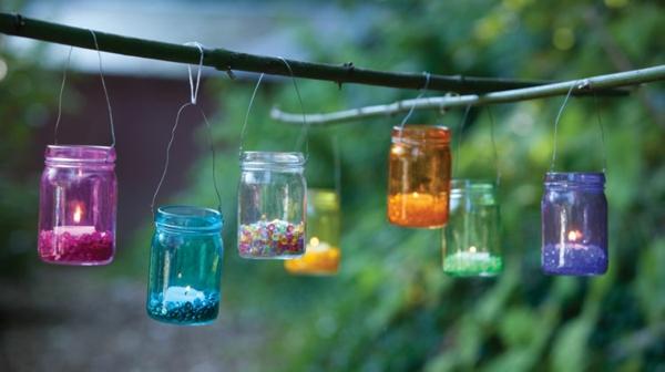 windlicht selbst gestalten farbige einmachgläser aufhängen