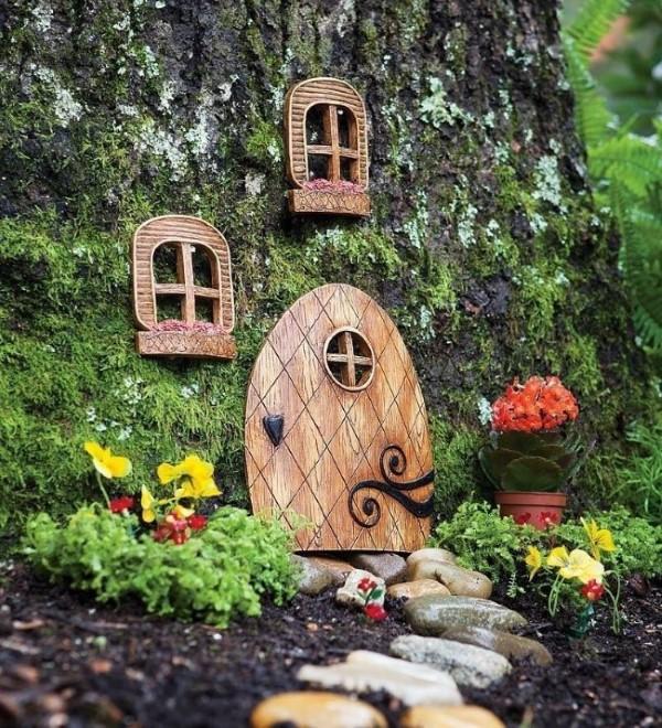 Baumstumpf dekorieren – kreative Ideen mit Liebe zur Natur feengarten set haus fenster tür