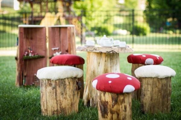Baumstumpf dekorieren – kreative Ideen mit Liebe zur Natur hocker tisch ideen