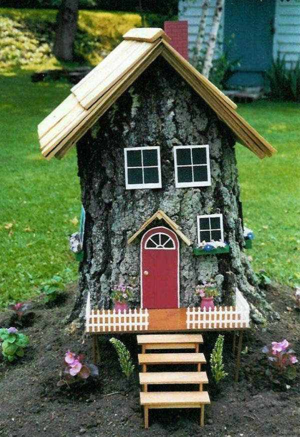 Baumstumpf dekorieren – kreative Ideen mit Liebe zur Natur zwergenhaus diy ideen