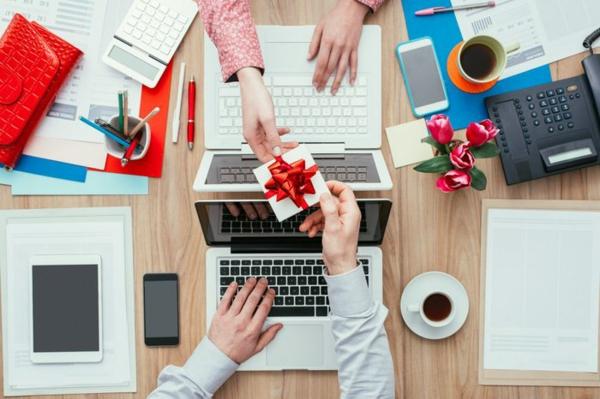 Die besten Geschenk-Ideen für Mitarbeiter