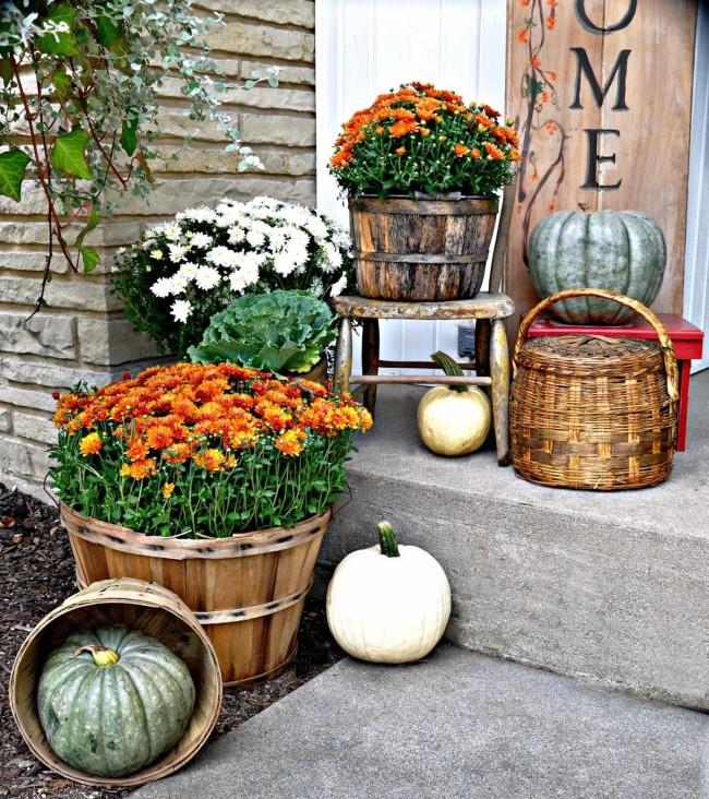 Einen märchenhaften Herbstgarten gestalten – farbenfrohe Ideen und Tipps deko eingang blumen herbst