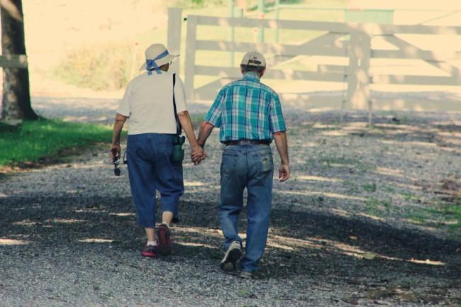 Gehen zum Abnehmen und andere Vorteile dieser Aktivität sport für jedes alter