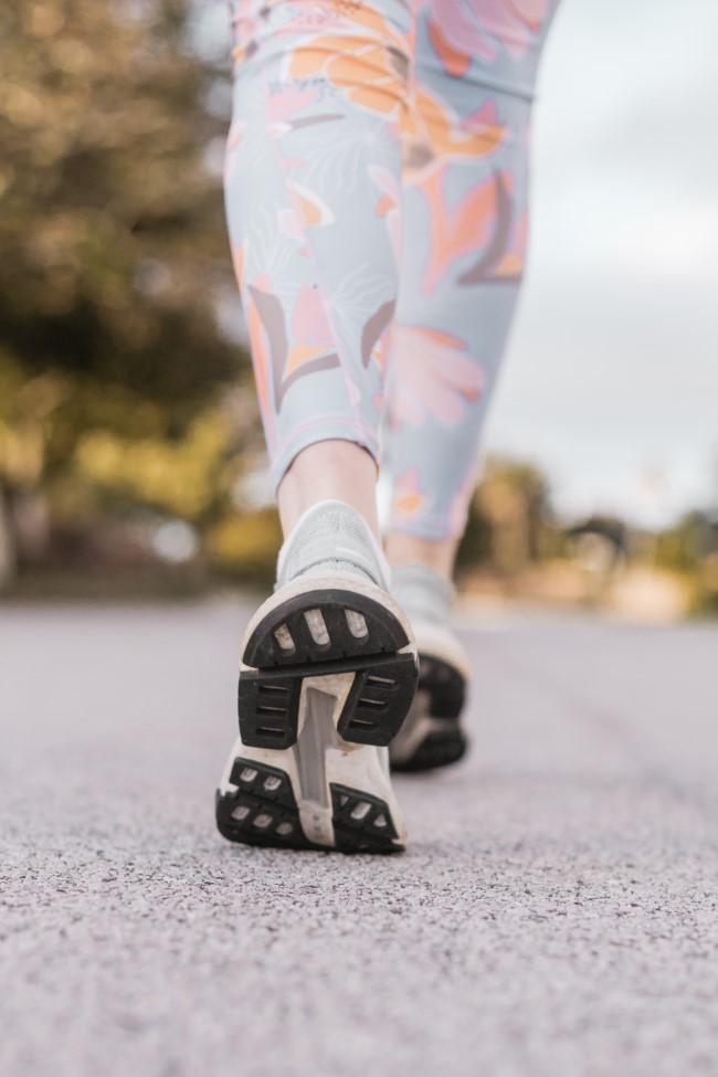 Gehen zum Abnehmen und andere Vorteile dieser Aktivität sport treiben jeden tag