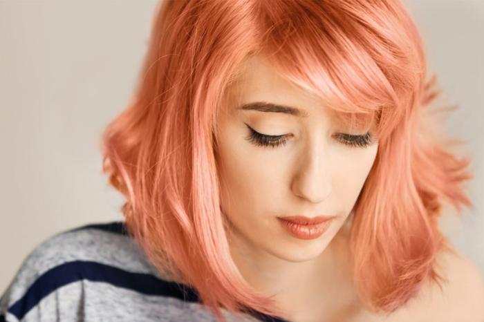 Haarfarben Trend 2021 rosablond pfirsich